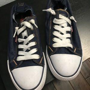 Brand new pair of women's slip on